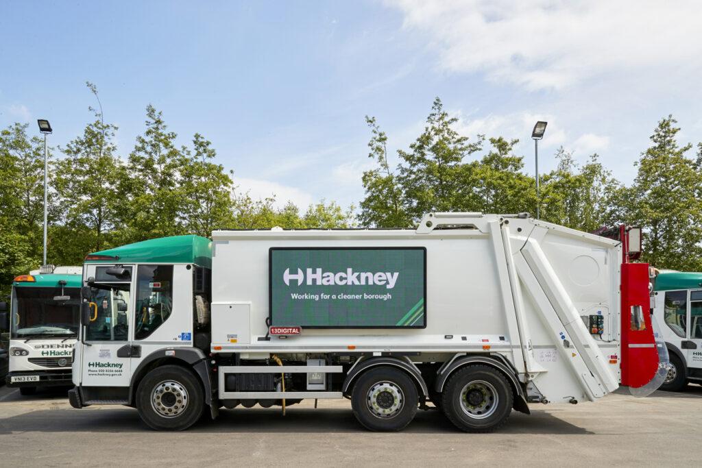 Hackney waste vehicle